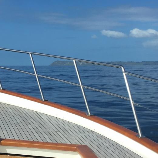Leaving Gizzy w boat