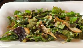 Walnut and Pear Salad