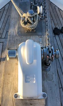 New anchor winch