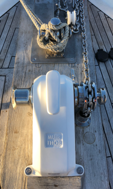 New anchor winch